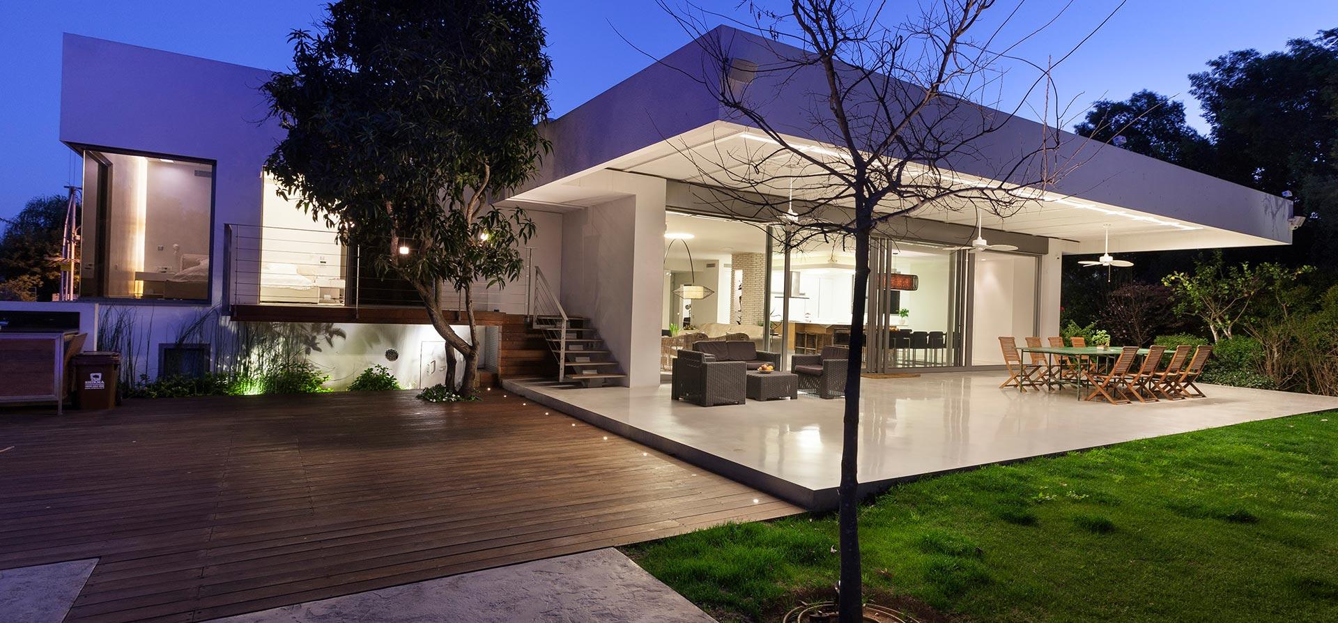 בית בסביון, תאורה מעוצבת לבית
